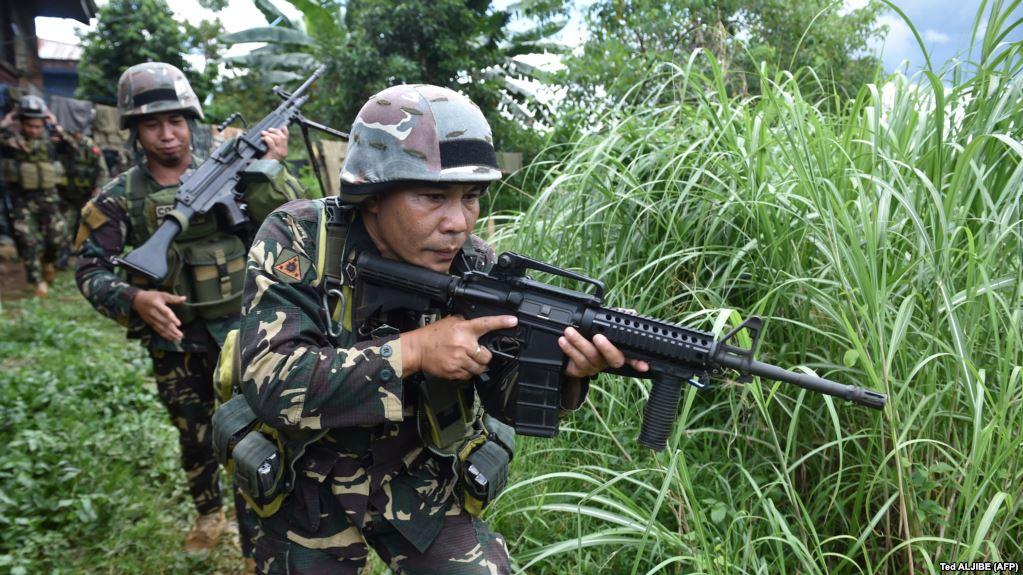 هواداران داعش در فیلیپین به مدرسهای حمله و عدهای را گروگان گرفتهاند