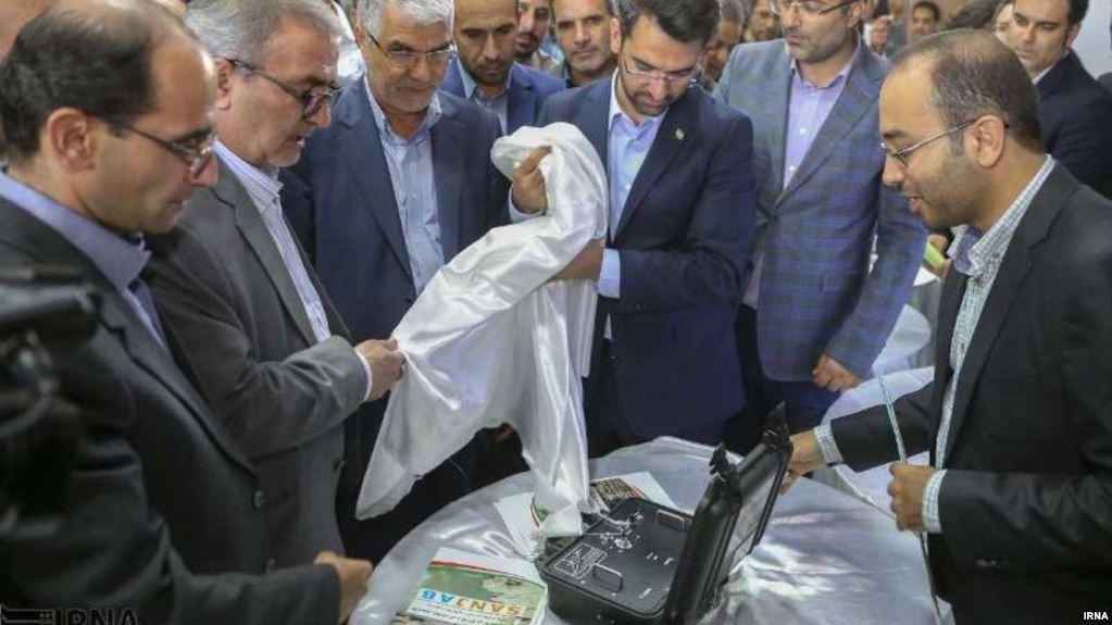 وزیر ارتباطات از نصب نمایشگر پارازیت در شیراز خبر داد