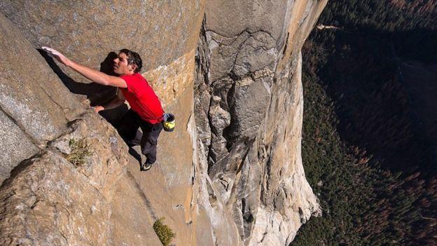توصیههای بهترین سنگنورد دنیا؛ چطور بر ترس غلبه کنیم