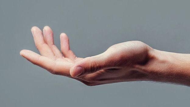 روشی برای برگرداندن حرکت بازو و دست در آسیبهای نخاعی