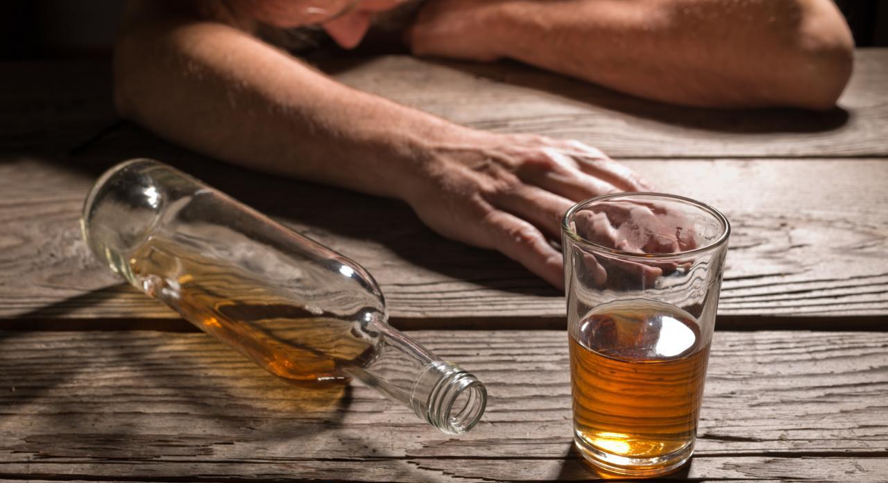 مرگ ۹۵ نفر بر اثر مسمومیت الکلی در فارس