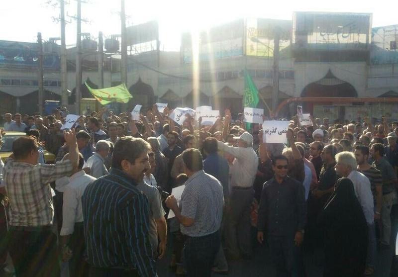 تجمع اعتراضی مخالفان تقسیم شهرستان کازرون