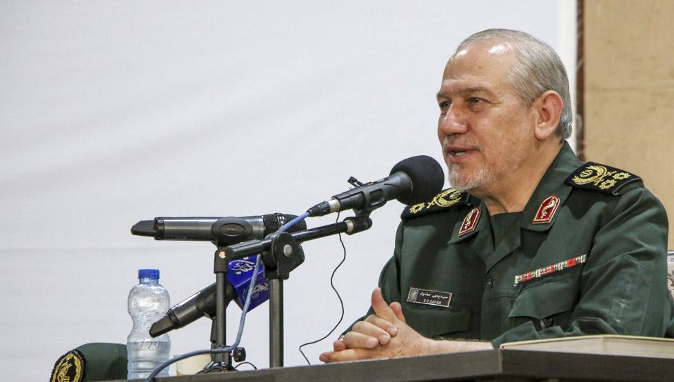 سخنان بحث برانگیز یک مقام نظامی در شیراز: به نظر میرسد دولت نباشد، کشور بهتر اداره میشود