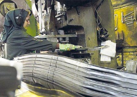 همت بانوی کارآفرین استان فارس در ورود به صنعت؛ کسب درآمد با ضایعات آهن