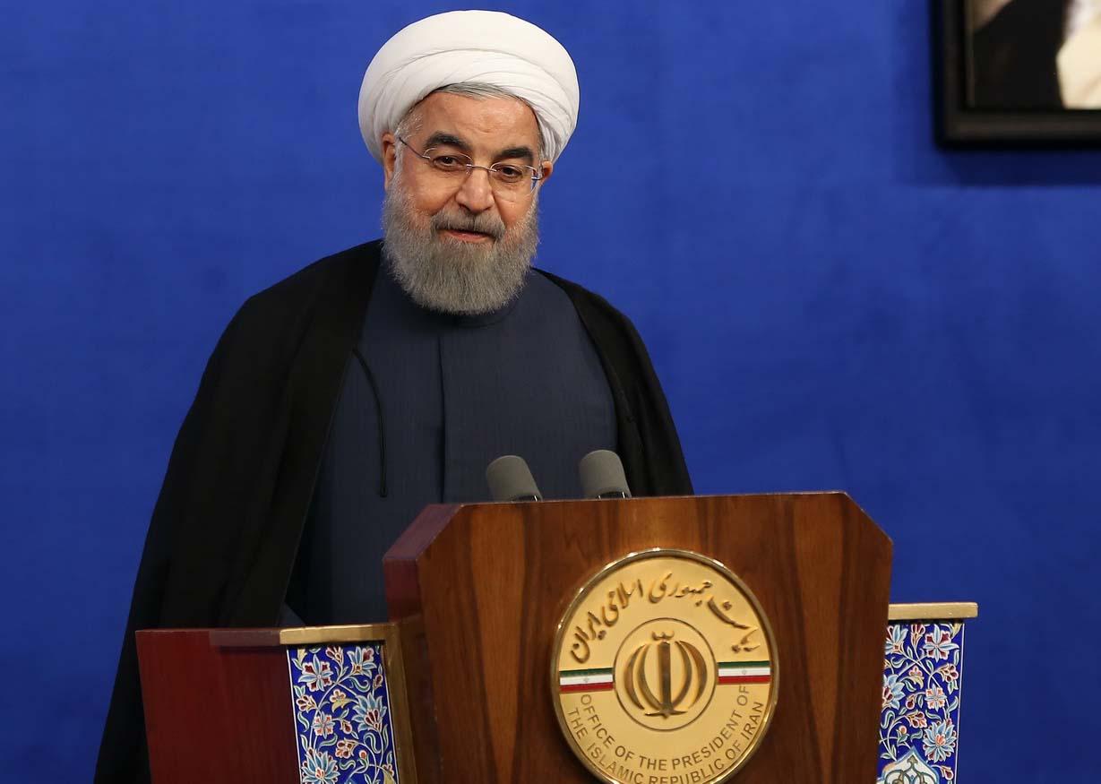 روحانی: اقتصاد به نهادی واگذار شده که تفنگ دارد و رسانه