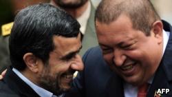 موضعگیری چند نماینده به کمک «بیحساب» احمدینژاد به کشورهای خارجی