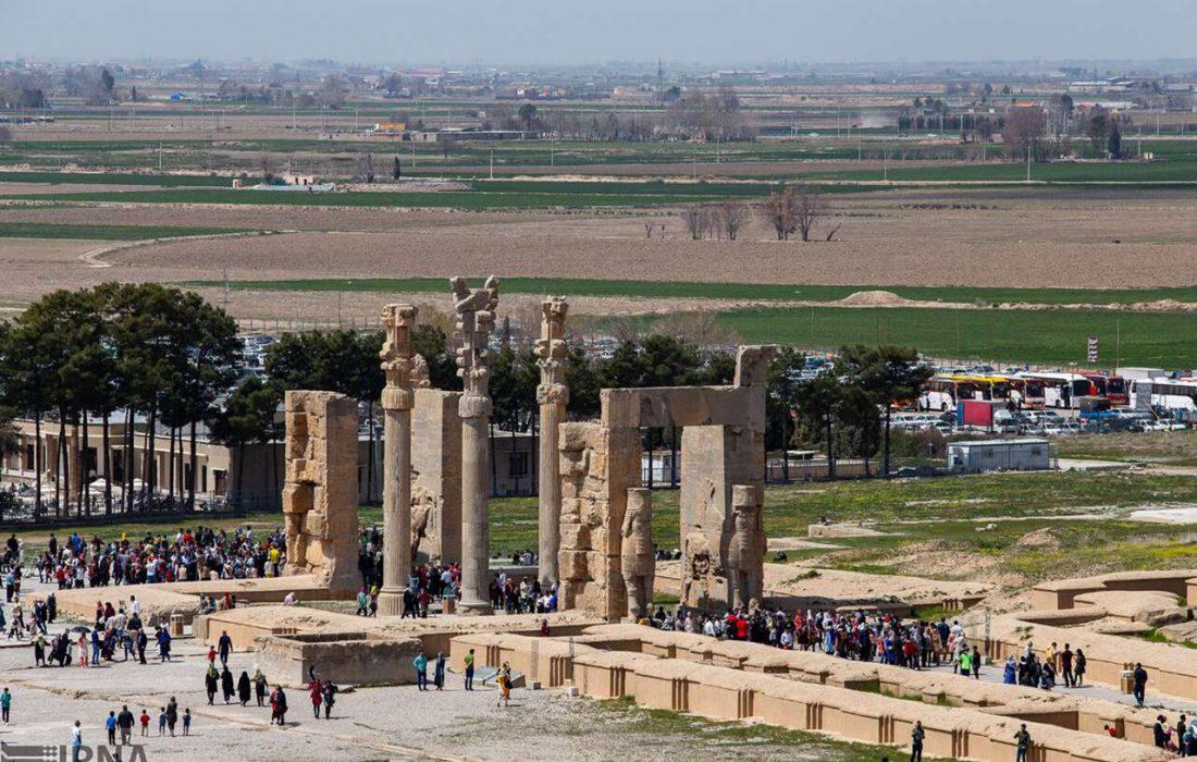 استاندار فارس: توسعه گردشگری در تعامل با دنیا حاصل میشود