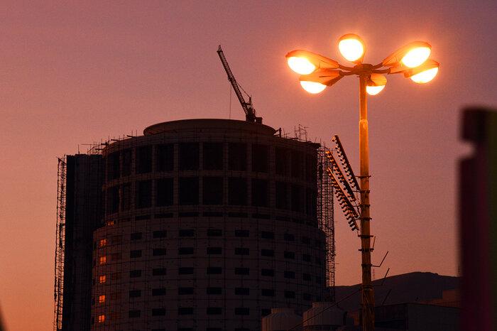 بررسی وضعیت هتل آسمان شیراز متوقف مانده