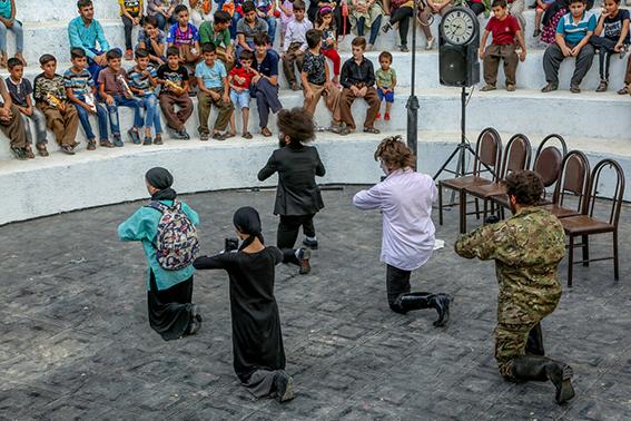 هنرمندان تئاتر خیابانی فارس به ارائه ایده فراخوانده شدند