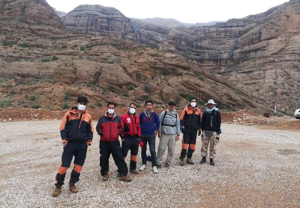 سه شهروند گرفتار در کوه قلات شیراز نجات پیدا کردند