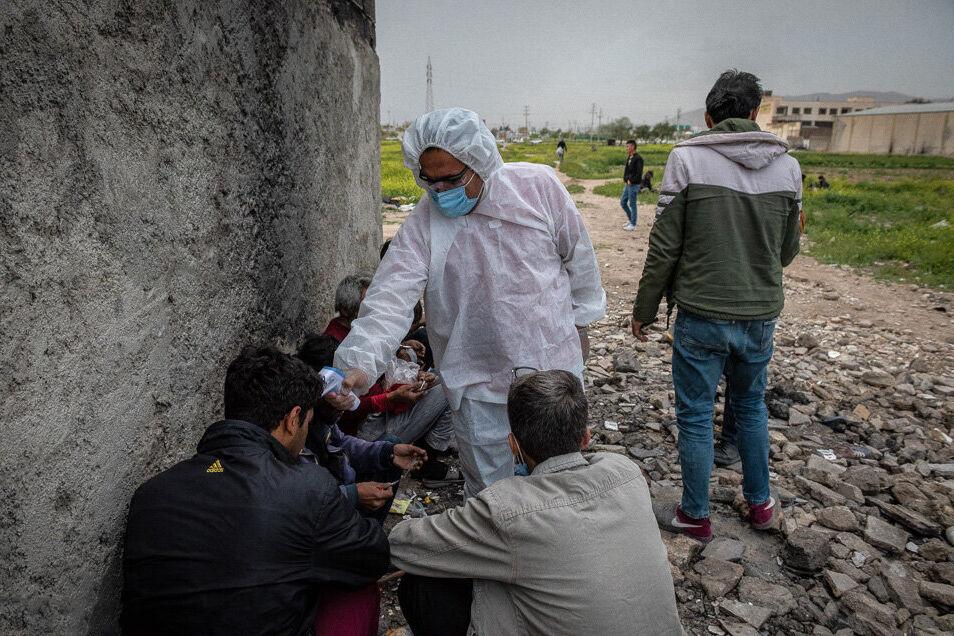 کرونا در فارس؛ شناسایی ۱۷ مورد مشکوک به کرونا در میان معتادان