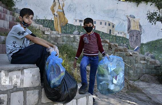 کمپین جمعآوری زبالههای به جای مانده از مراسم محرم در فارس آغاز شد