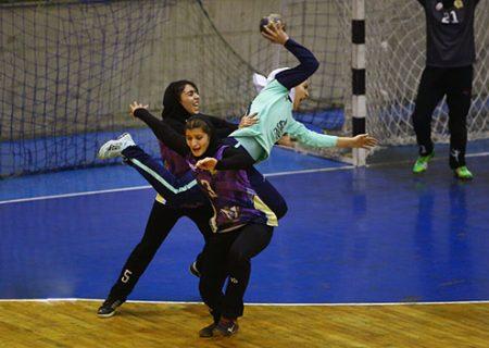 سرمربی هندبال بانوان فیروزآباد: جوانترین تیم لیگ برتر بانوان هستیم