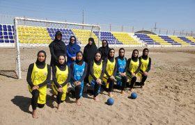 تیم هندبال ساحلی بانوان زرقان در مسابقات کشوری شرکت میکند