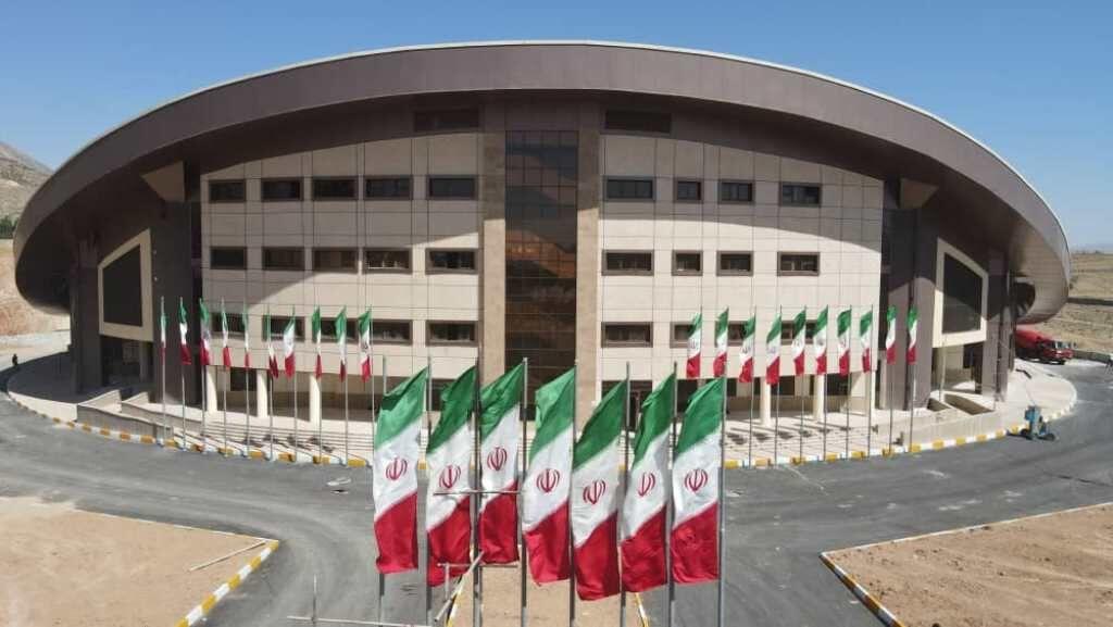 سالن ۶ هزار نفره شیراز پس از ۱۳ سال انتظار افتتاح میشود