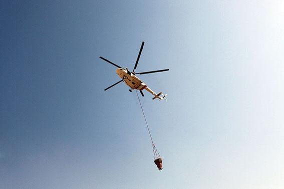 یک فروند بالگرد ویژه مهار آتش موقتا به منابع طبیعی فارس داده شد