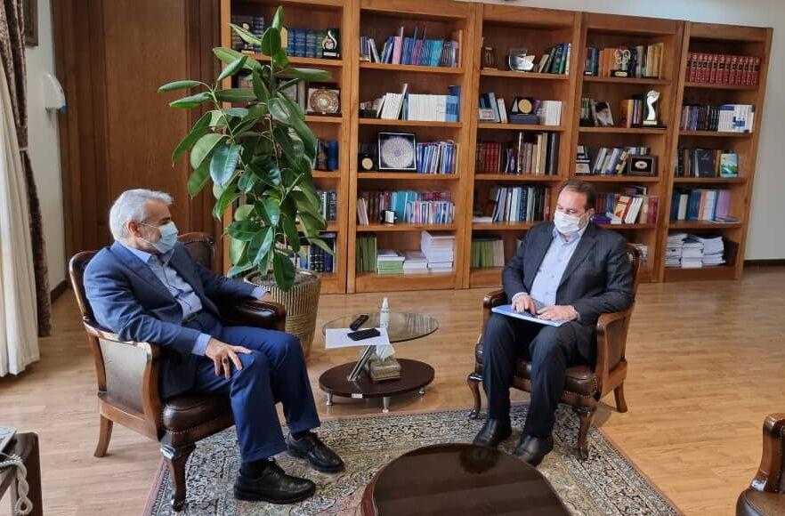 پیگیری استاندار فارس برای تامین هزینه خرید دستگاه درمان بیماران سرطانی