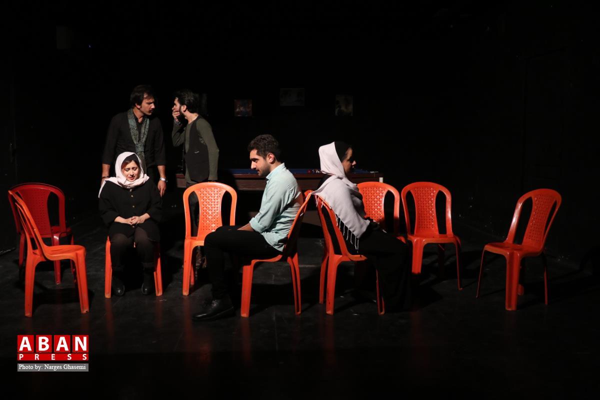آلبوم عکس، اجرای نمایش توپازی در سالن استاد هودی شیراز