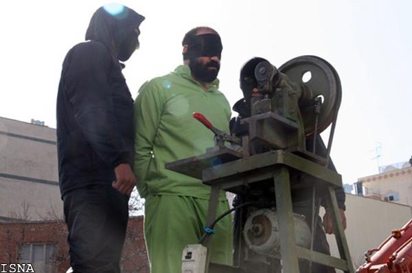 صدور حکم قطع دست ۴ متهم در استان فارس