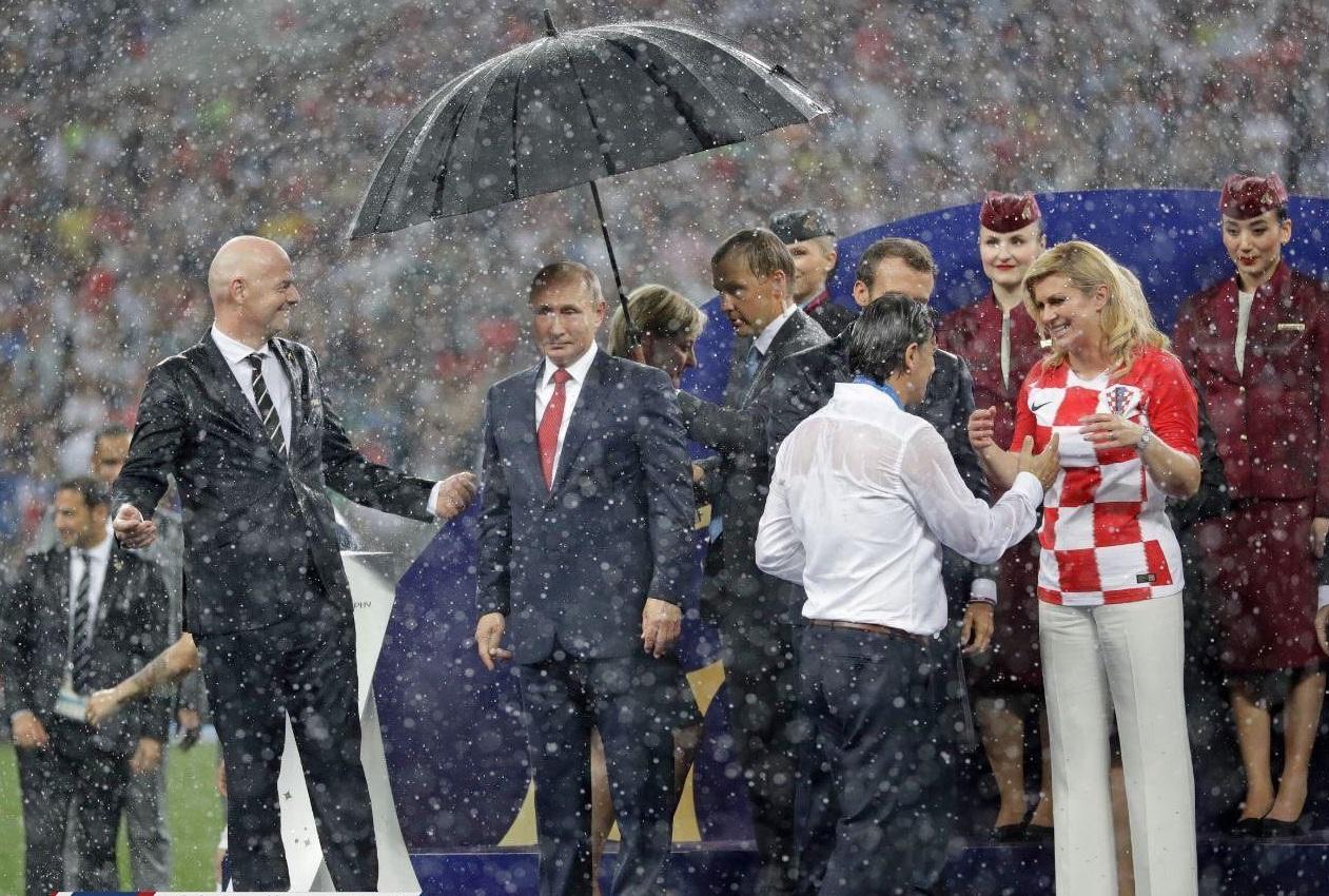 روسها چتر خود را با کسی تقسیم نمیکنند
