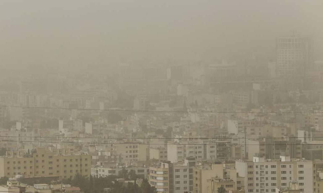 مشکل تنفسی بیش از ۸۰ نفر در فارس بر اثر ریزگردها