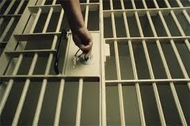 بازداشت دو مسافر نوروزی در همدان به اتهام «خوانندگی در خیابان»