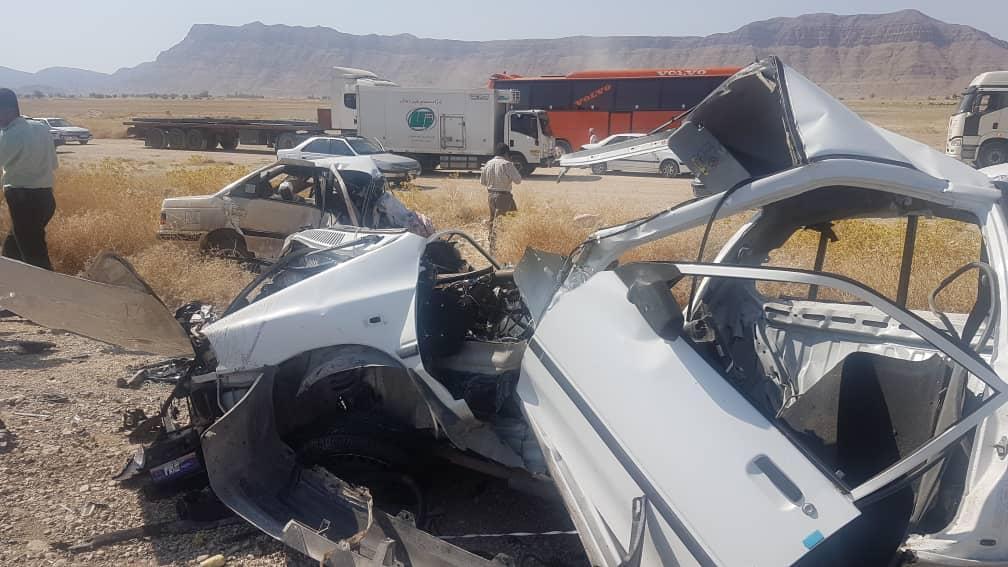وزیر بهداشت: خودروسازان، ساختن ارابه مرگ را کنار گذارند و خودرو بسازند