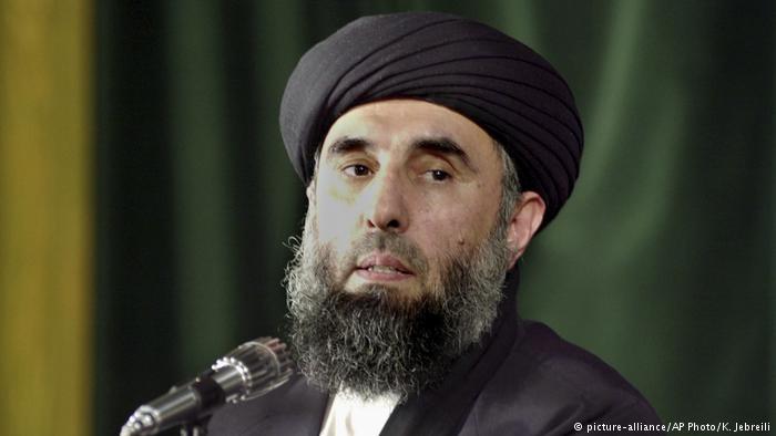 حکمتیار نیروهای طالبان را به صلح فراخواند