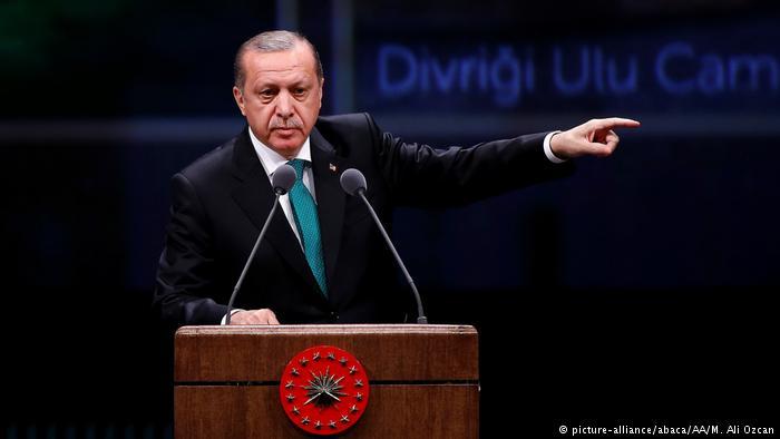 اردوغان بار دیگر مرکل را به استفاده از «راه و روش نازیها» متهم کرد