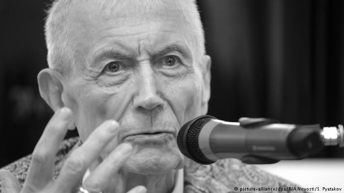 """یفتوشنکو، بزرگترین شاعر """"اتحاد شوروی"""" درگذشت"""