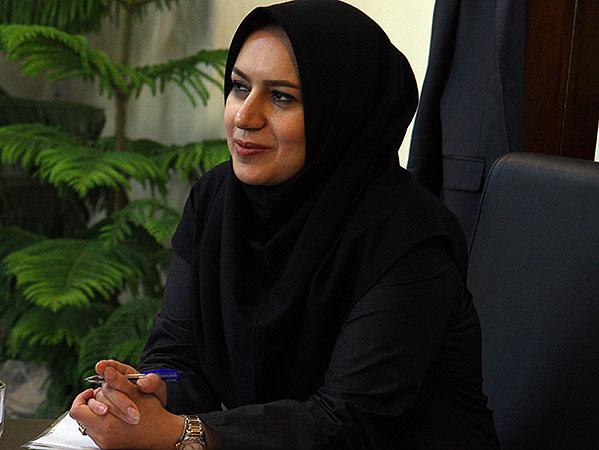 یک زن مدیر کل دفتر جذب و حمایت از سرمایهگذاری فارس شد