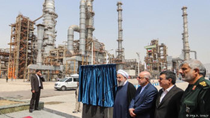 تحریمهای نفتی ایران و جنگ بر سر قیمت نفت