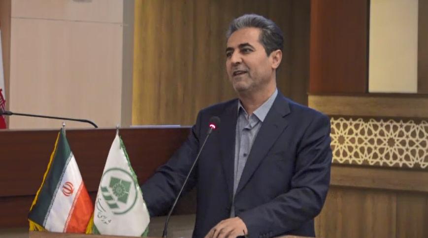 انتقاد شهردار شیراز از رسانههایی که عکسهای خصوصی یک مدیر را منتشر کردند