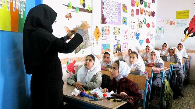«فارس با کمبود ۱۲ هزار معلم مواجه است»