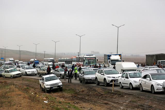 پلیس در تصادف زنجیرهای ۸۰ خودرو در آزادراه مشهد مقصر شناخته شد