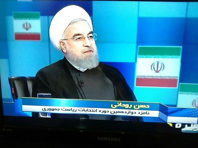 حسن روحانی: رقابت در انتخابات بین دو شیوه خشونتگرایی و خردگرایی است