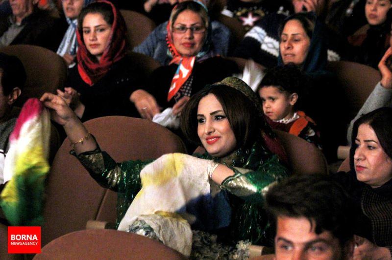 جشنواره ملی آیینهای شادی ایران در شیراز