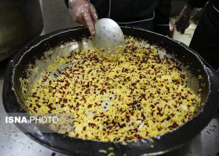 توزیع ۱۰ هزار پرس غذای گرم در حاشیه شهر شیراز