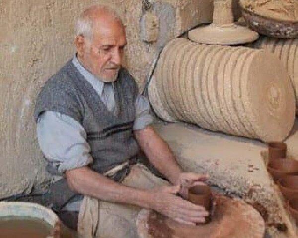 """درگذشت استاد """"سفال و سرامیک"""" فارس"""