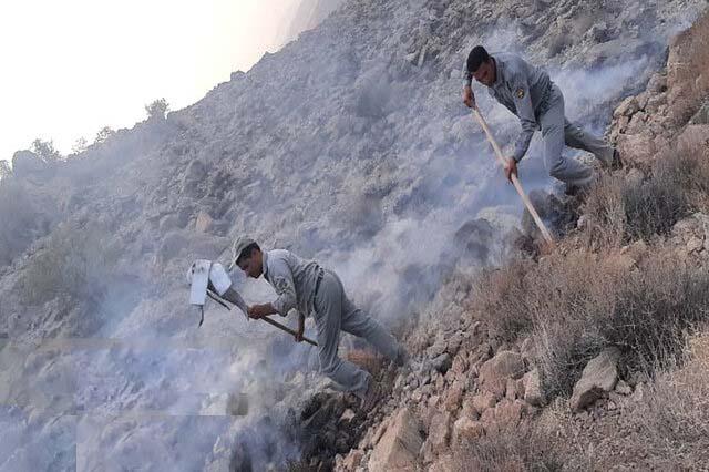 مهار آتش سوزی در ارتفاعات کامفیروز