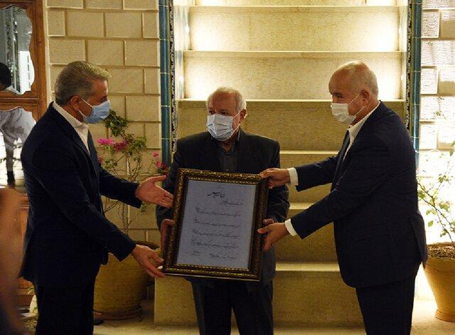 قدردانی از پیشکسوت رسانههای فارس