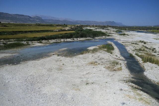رهاسازی ۲۰ میلیون مترمکعب آب از سد چشمه عاشق