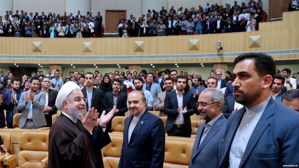 وعده روحانی برای «جذب دو هزار جوان نخبه» در سمتهای مشاورهای در دولت جدید