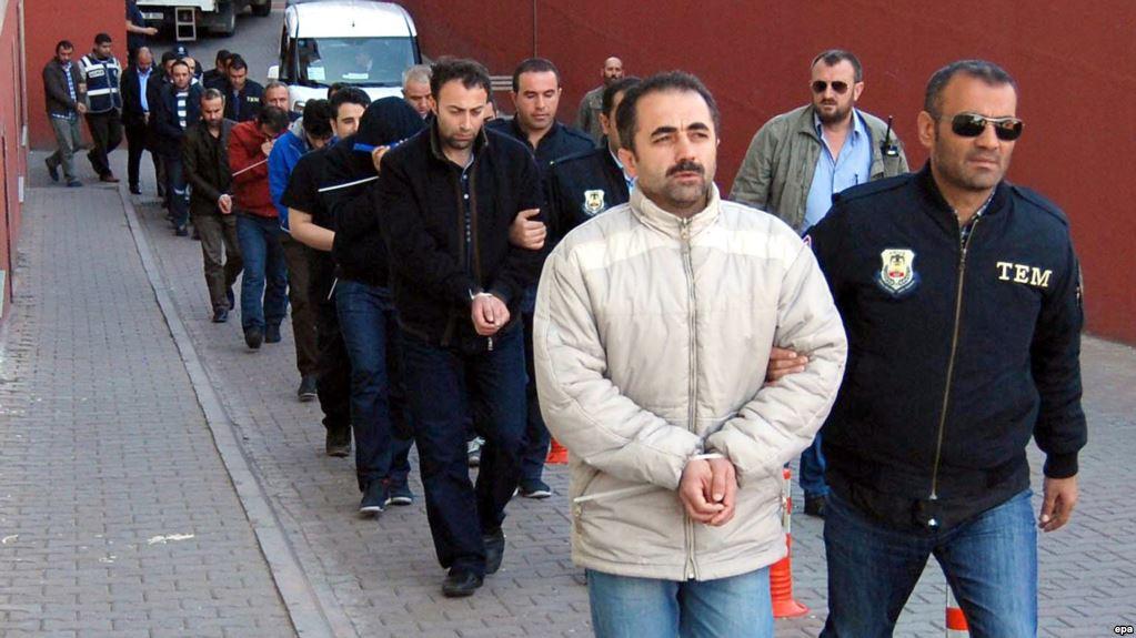 ترکیه بیش از هزار نفر را به اتهام ارتباط با گروه فتحالله گولن بازداشت کرد