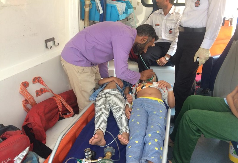 نجات خانواده ۵ نفره در شیراز از گازگرفتگی