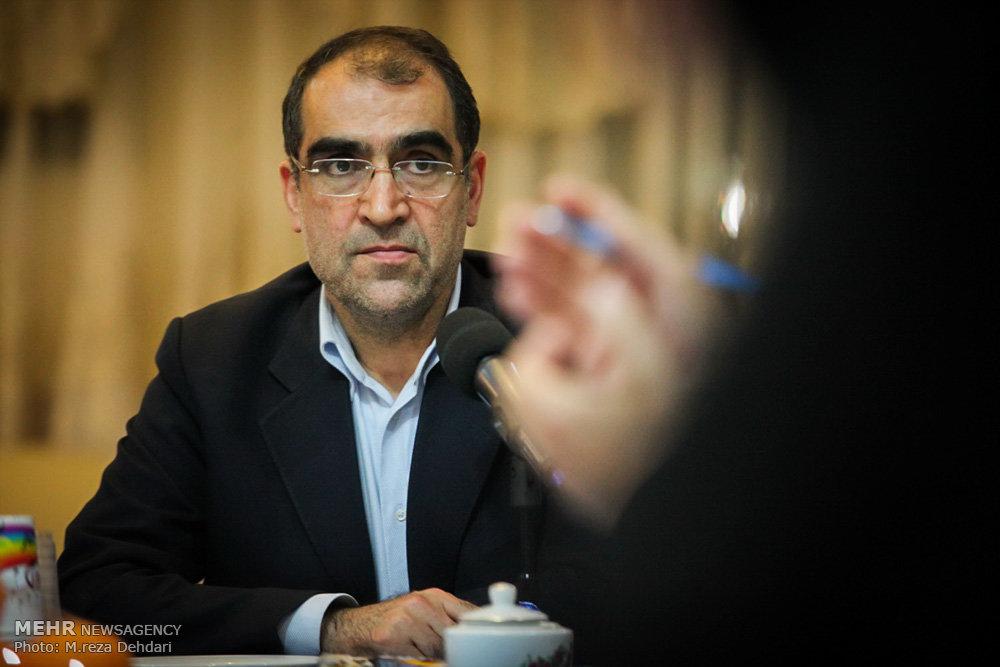 شکایت دولت از خبرگزاری فارس به دلیل «توهین» به وزیر بهداشت