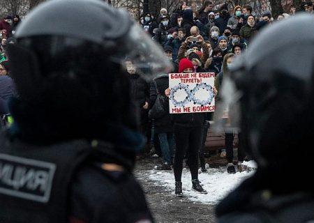 هشدار اتحادیه اروپا به روسیه: سرکوبها ادامه پیدا کند تحریم میکنیم
