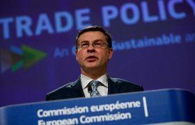 اتحادیه اروپا تلاشها برای تصویب توافق سرمایهگذاری با چین را متوقف میکند