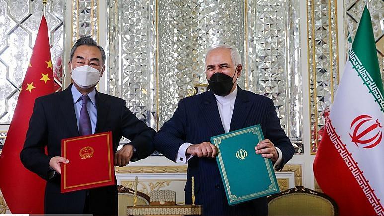 ایران و چین سند همکاری ۲۵ ساله امضا کردند