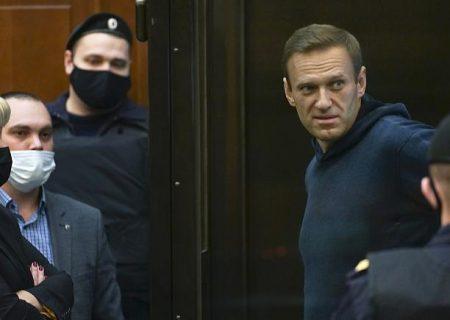 حکم سه سال و نیم زندان برای منتقد کرملین؛ ناوالنی پوتین را «مرد کوچک دزد» خطاب کرد
